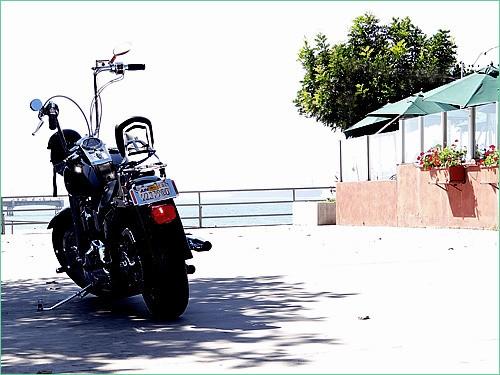 海風とオートバイの風景