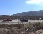 オーシャンサイドビーチへ向かうメトロリンクの車窓から見えるフリーウェイ