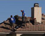 カリフォルニアの屋根修理の風景