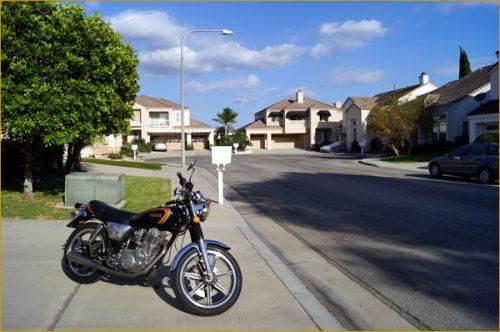 南カリフォルニア 街角のヤマハSR400&SR500