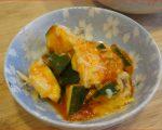 【超絶テキトー料理】チーズで仕上げるズッキーニのトマトソース炒め「げぷっ」